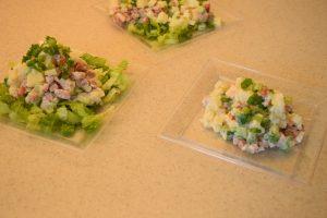 Szybka sałatka z ziemniaków i kiełbasy